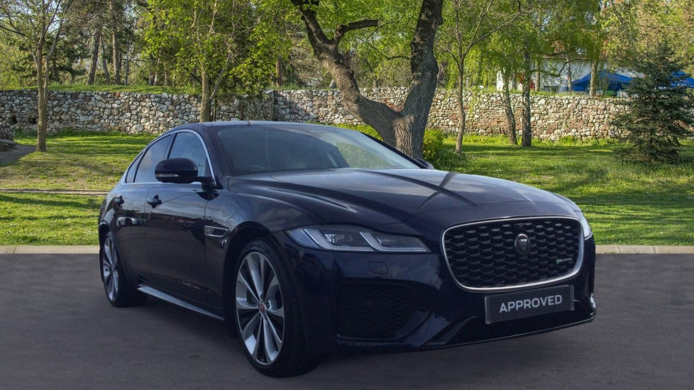 Jaguar XF 2.0 P250 R-Dynamic HSE - 20 inch Alloys - Panoramic Sunroof - Privacy Glass -  Automatic 4 door Saloon
