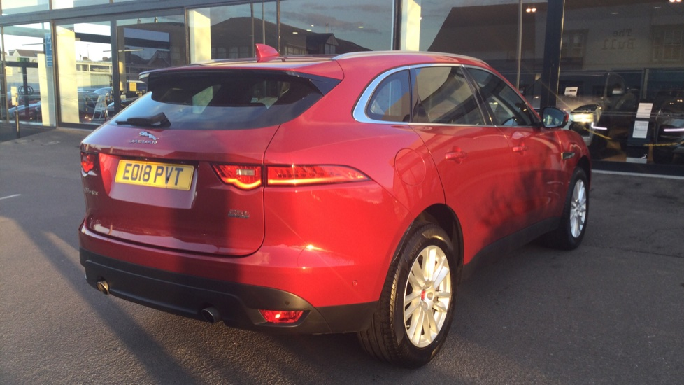 Jaguar F-PACE 2.0 Portfolio 5dr AWD image 10
