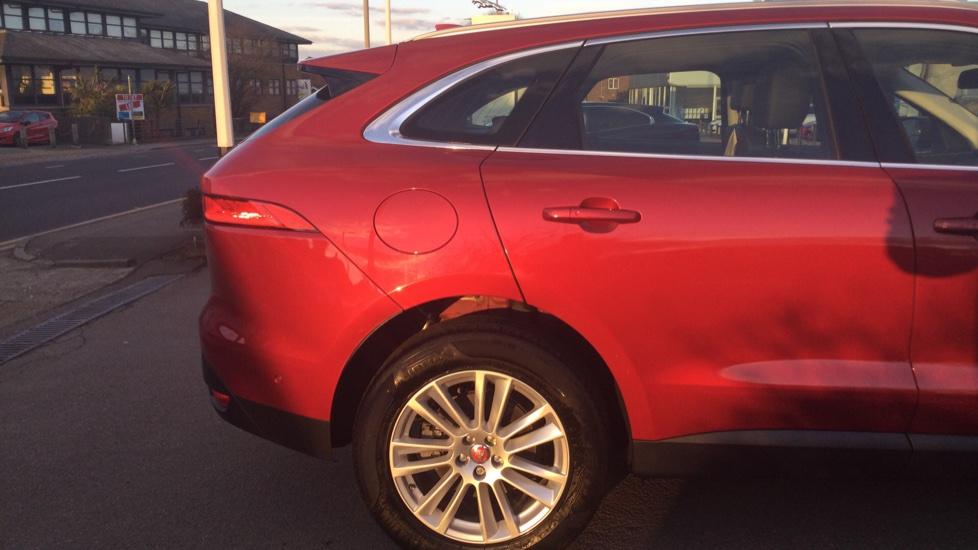 Jaguar F-PACE 2.0 Portfolio 5dr AWD image 11