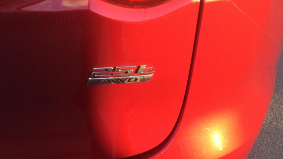 Jaguar F-PACE 2.0 Portfolio 5dr AWD image 17