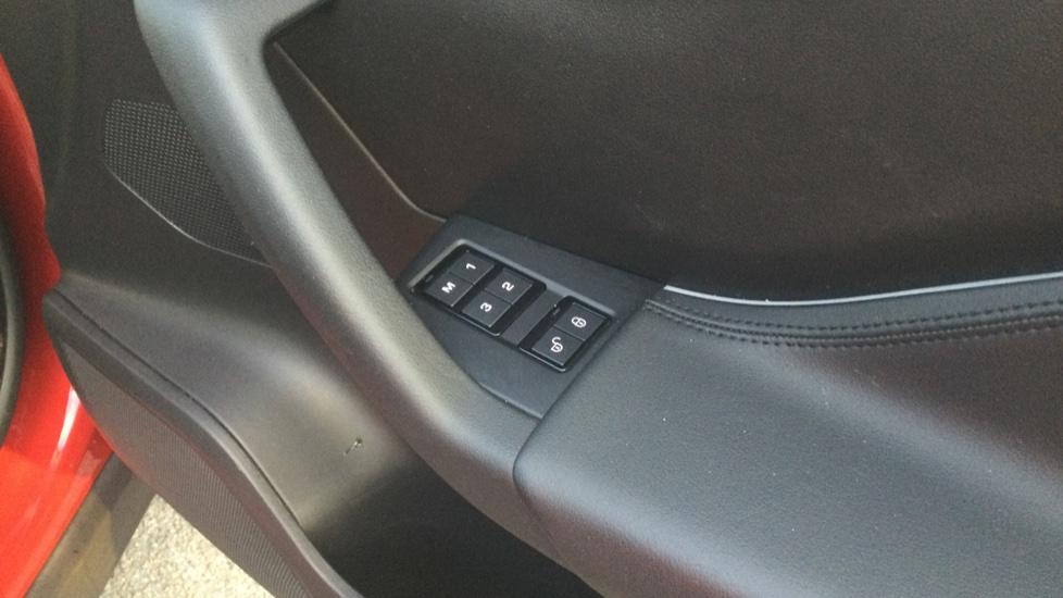 Jaguar F-PACE 2.0 Portfolio 5dr AWD image 20