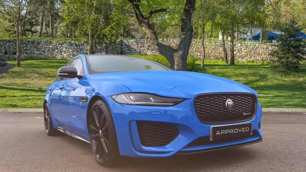 Jaguar XE 2.0 Reims Edition 4dr Automatic Saloon (2020)