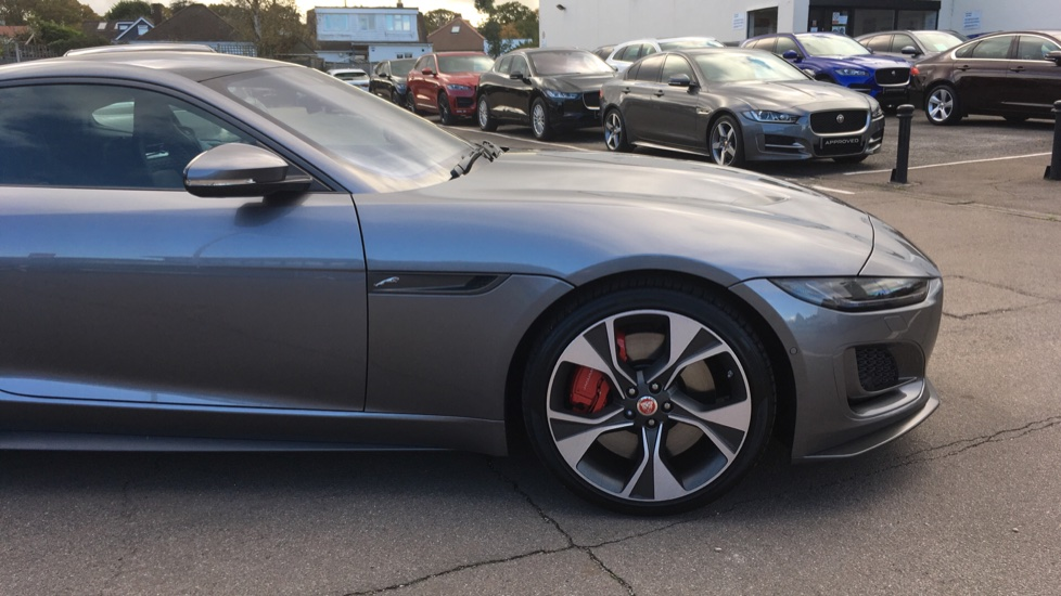 Jaguar F-TYPE 5.0 P450 S/C V8 First Edition 2dr AWD with Pan Roof image 11