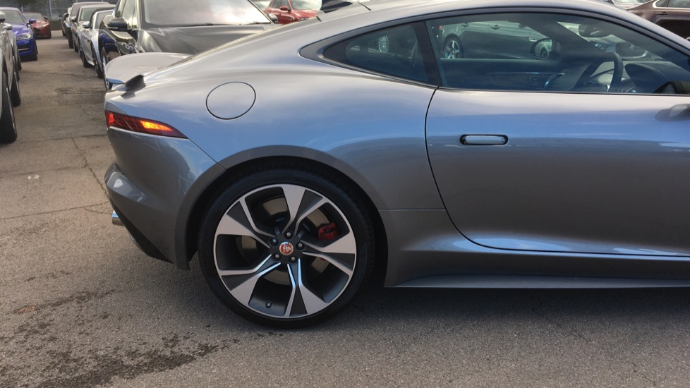 Jaguar F-TYPE 5.0 P450 S/C V8 First Edition 2dr AWD with Pan Roof image 12