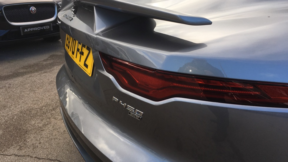 Jaguar F-TYPE 5.0 P450 S/C V8 First Edition 2dr AWD with Pan Roof image 13