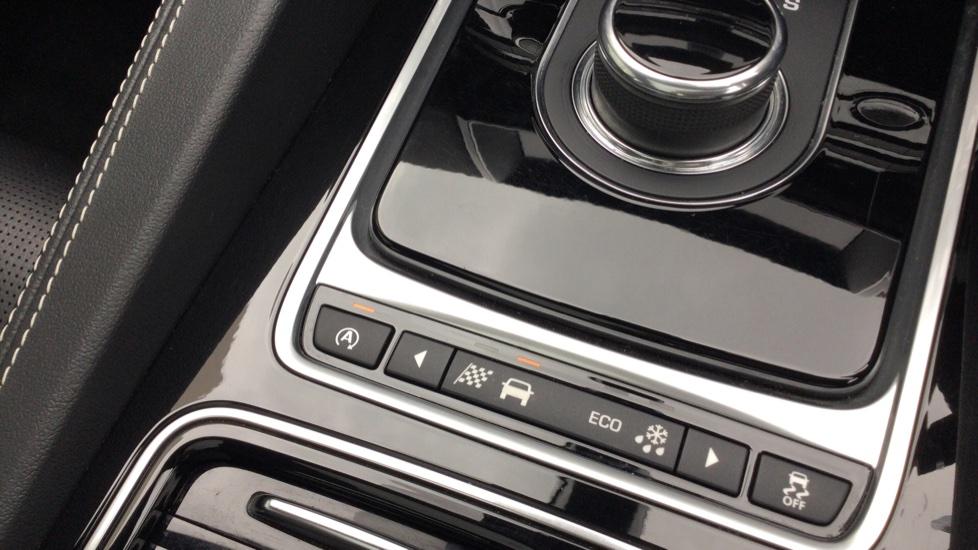 Jaguar F-PACE 3.0d V6 S 5dr AWD - Panoramic Sunroof - BSM image 20