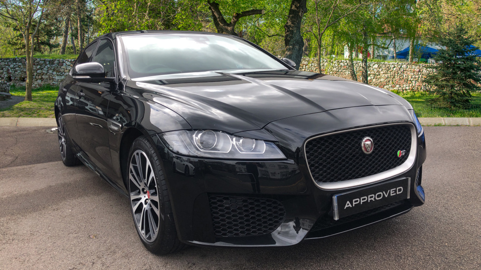 Jaguar XF 3.0 V6 Supercharged S InControl, Upgraded Alloy Wheels Automatic 4 door Saloon (2017)