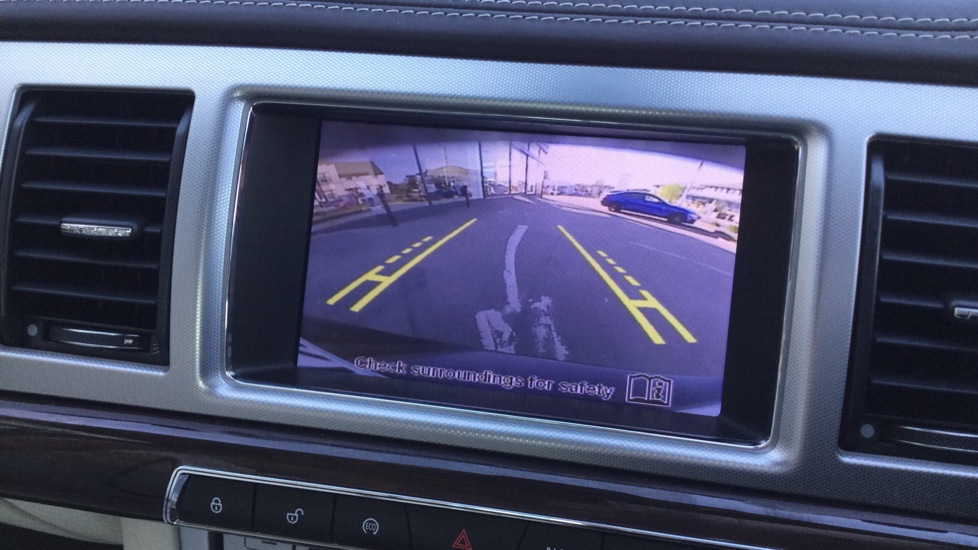 Jaguar XF 3.0d V6 Portfolio [Start Stop] image 20