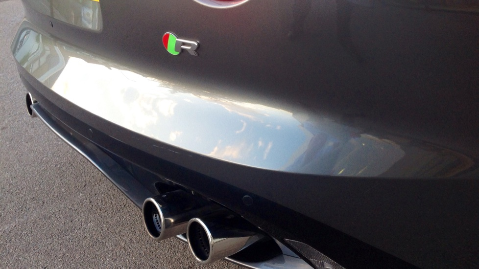 Jaguar F-TYPE 5.0 Supercharged V8 R 2dr image 26
