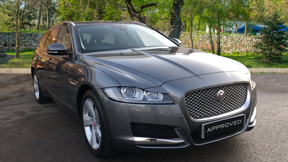 Jaguar XF 2.0d [180] Portfolio 5dr with Pan Roof Diesel Automatic 4 door Estate (2018) image