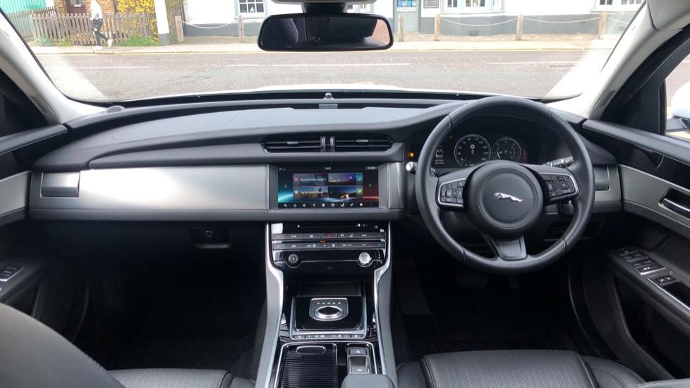 Jaguar XF 2.0d [180] Prestige with InControl image 9