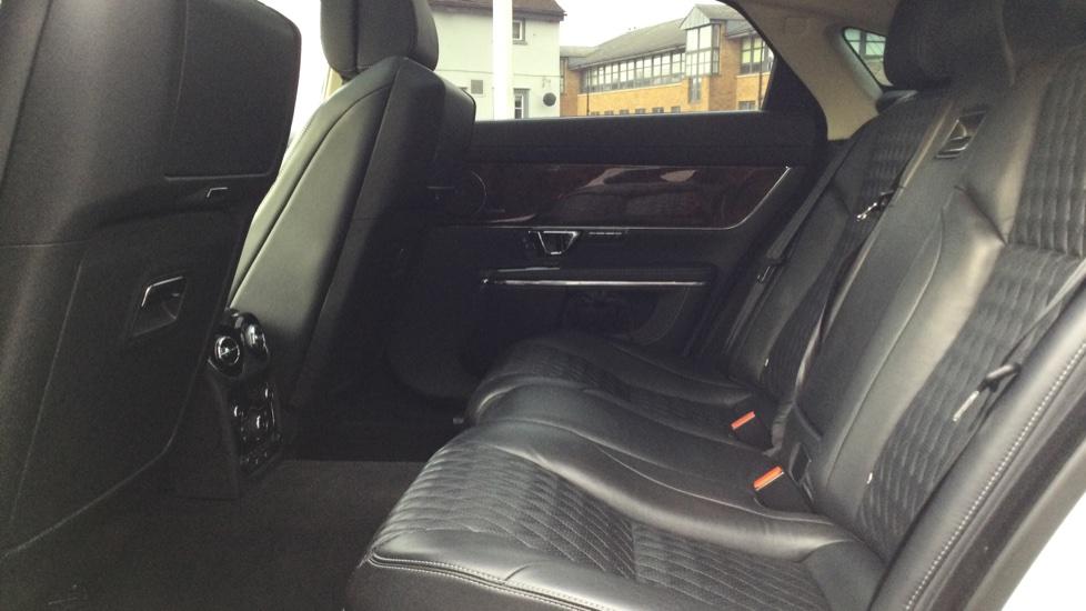 Jaguar XJ 3.0d V6 Autobiography [LWB] image 4