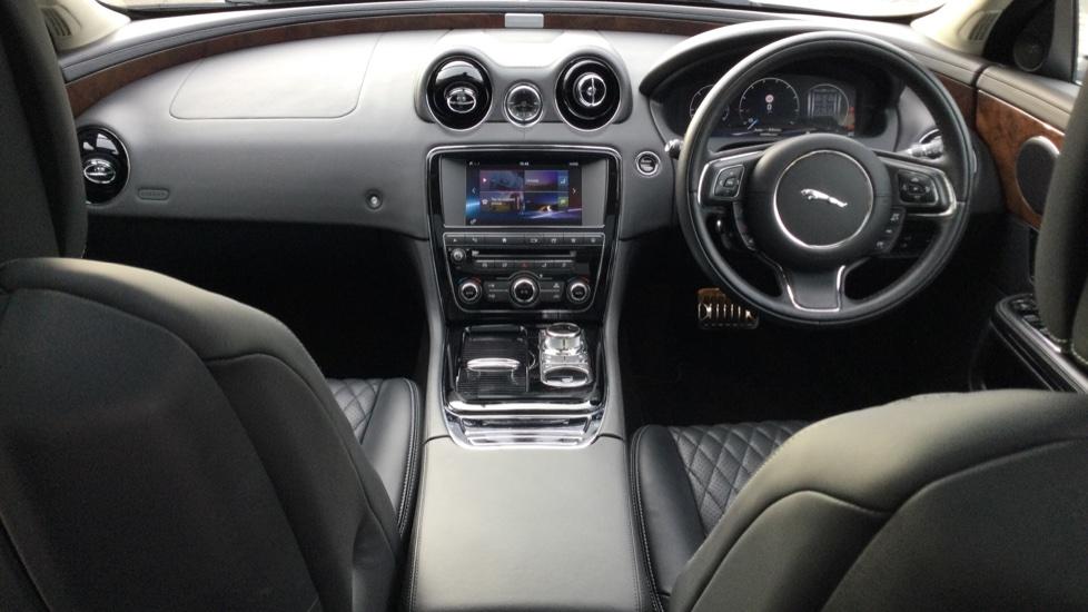 Jaguar XJ 3.0d V6 Autobiography [LWB] image 9