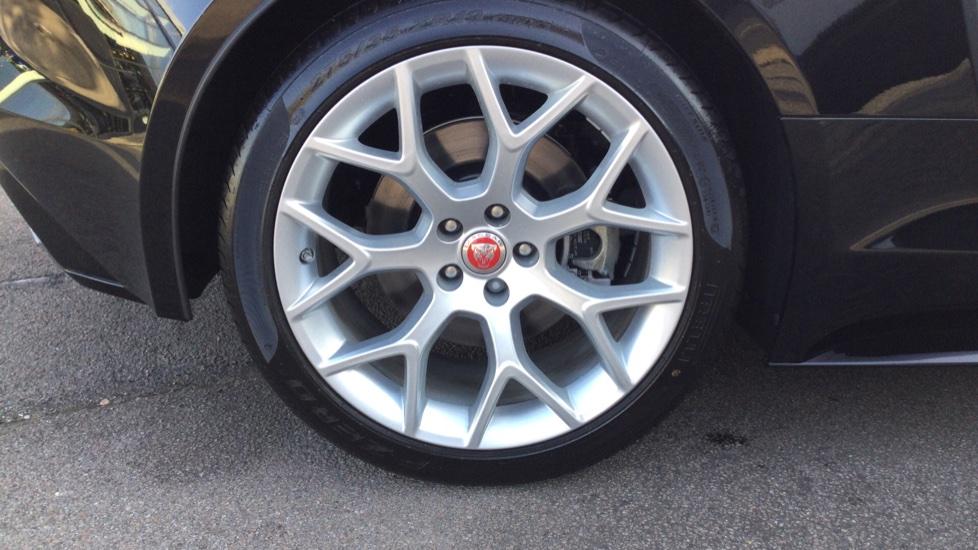 Jaguar F-TYPE 3.0 Supercharged V6 R-Dynamic - Only 140 Miles - image 8