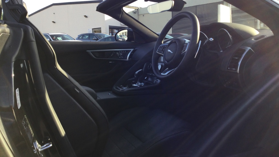 Jaguar F-TYPE 3.0 Supercharged V6 R-Dynamic - Only 140 Miles - image 9