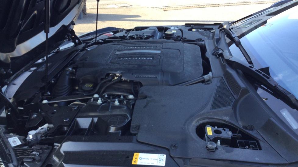 Jaguar F-TYPE 3.0 Supercharged V6 R-Dynamic - Only 140 Miles - image 16