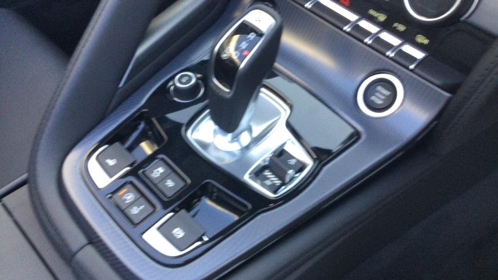 Jaguar F-TYPE 3.0 Supercharged V6 R-Dynamic - Only 140 Miles - image 21