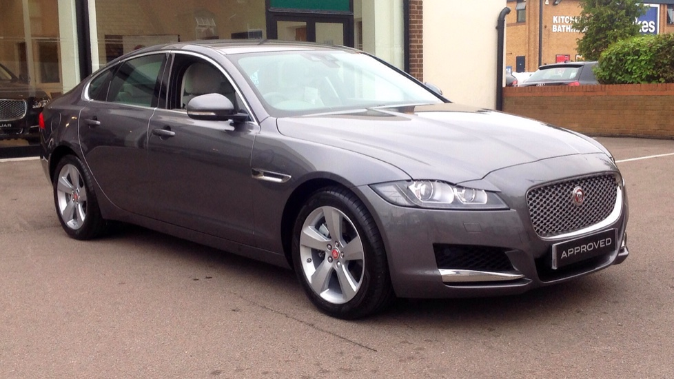 Jaguar XF 2.0i  250ps  Portfolio AWD Only 289 Miles !! Automatic 4 door Saloon (2018) image