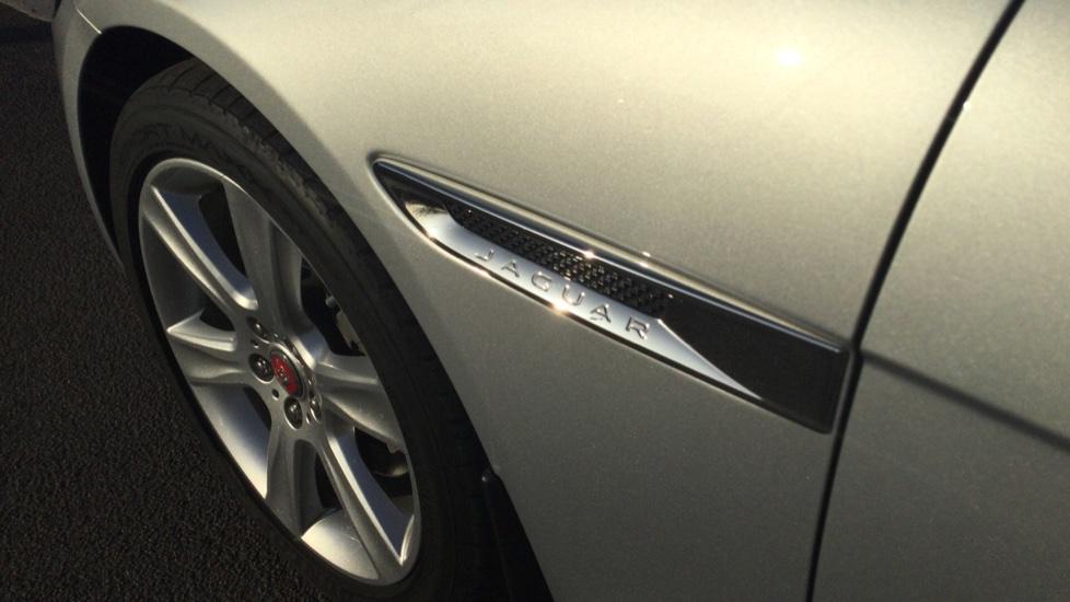 Jaguar XE 2.0 Ingenium Portfolio High Spec image 12