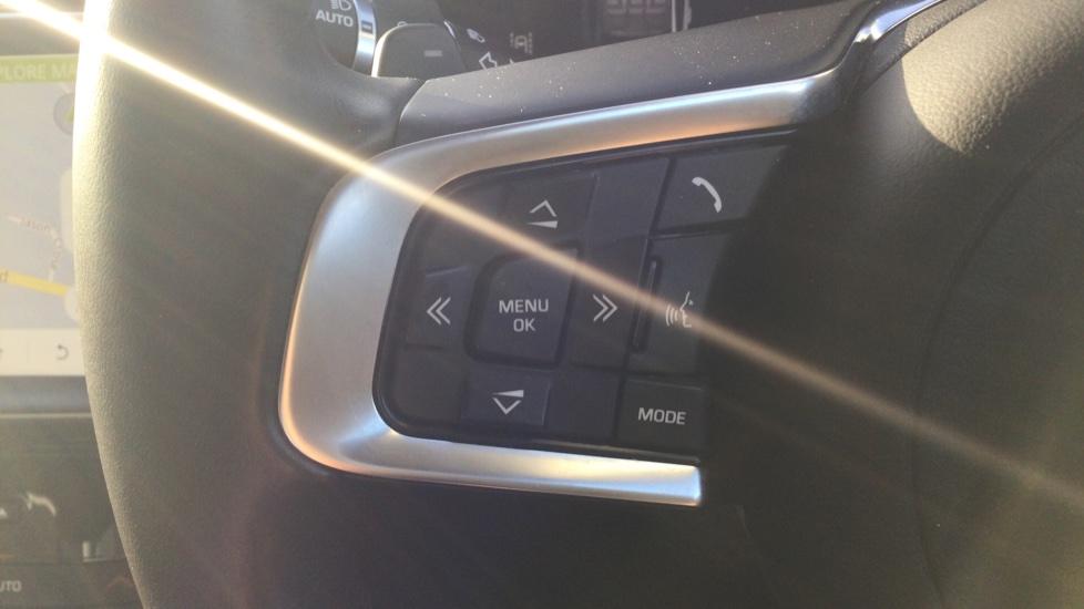 Jaguar XE 2.0 Ingenium Portfolio High Spec image 24