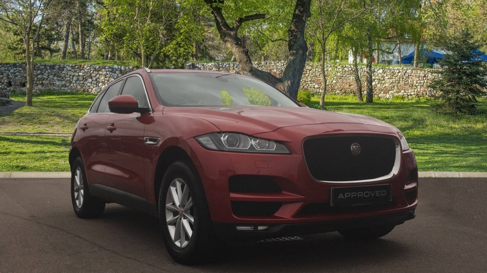 Jaguar F-PACE 2.0d Portfolio 5dr AWD including InControl Pro Diesel Automatic Estate (2018)