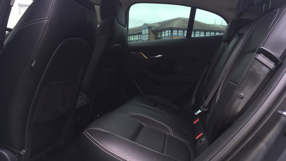 Jaguar I-PACE 294kW EV400 SE 90kWh Low Miles Panoramic Sunroof image 4