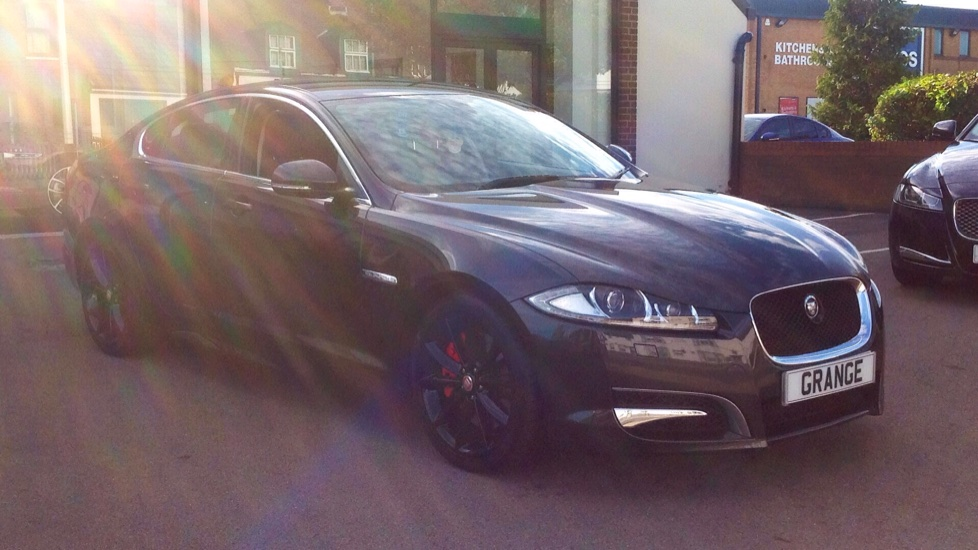 Jaguar XF 3.0d V6 S Luxury [Start Stop] Diesel Automatic 4 door Saloon (2013) image