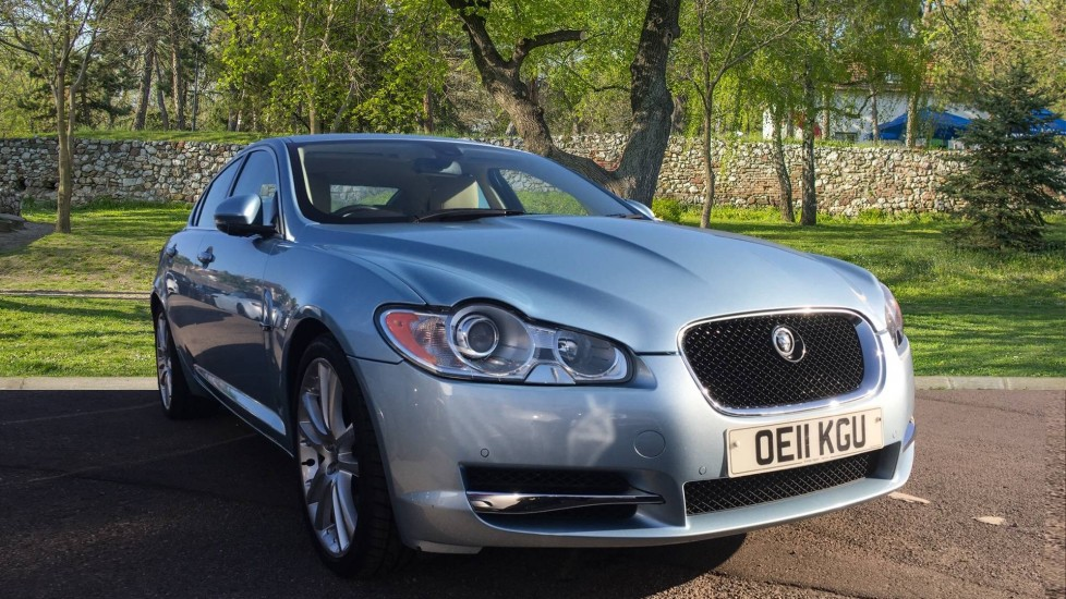 Jaguar XF 3.0d V6 S Premium Luxury Low Miles Diesel Automatic 4 door Saloon (2011)