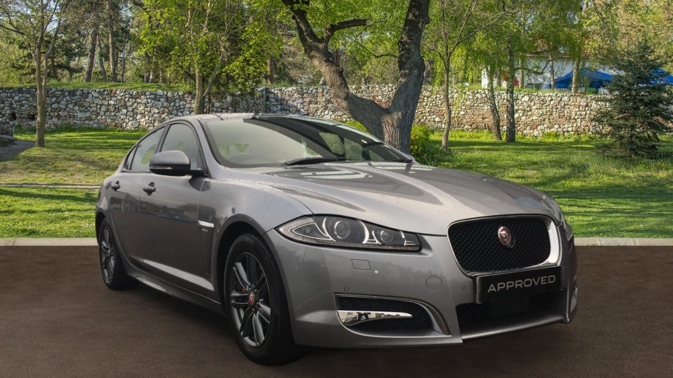 Jaguar XF 2.2d [163] R-Sport High Spec with Sunroof and Adaptive Cruise Control Diesel Automatic 4 door Saloon (2015)