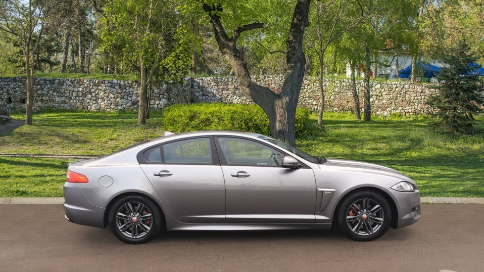Jaguar XF 2.2d [163] R-Sport High Spec with Sunroof and Adaptive Cruise Control image 5