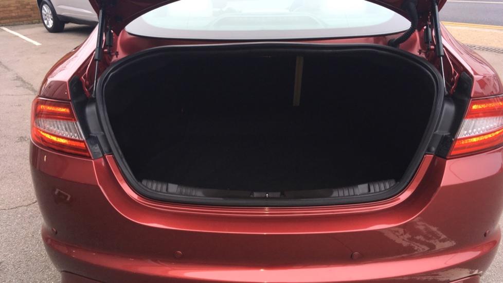 Jaguar XF 3.0d V6 S Premium Luxury [Start Stop] image 11