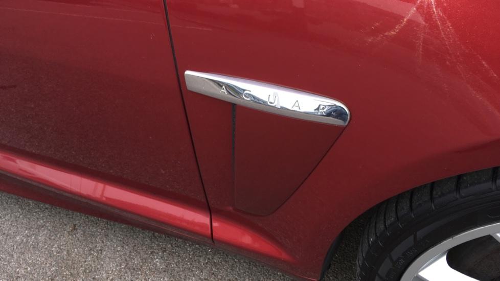 Jaguar XF 3.0d V6 S Premium Luxury [Start Stop] image 19