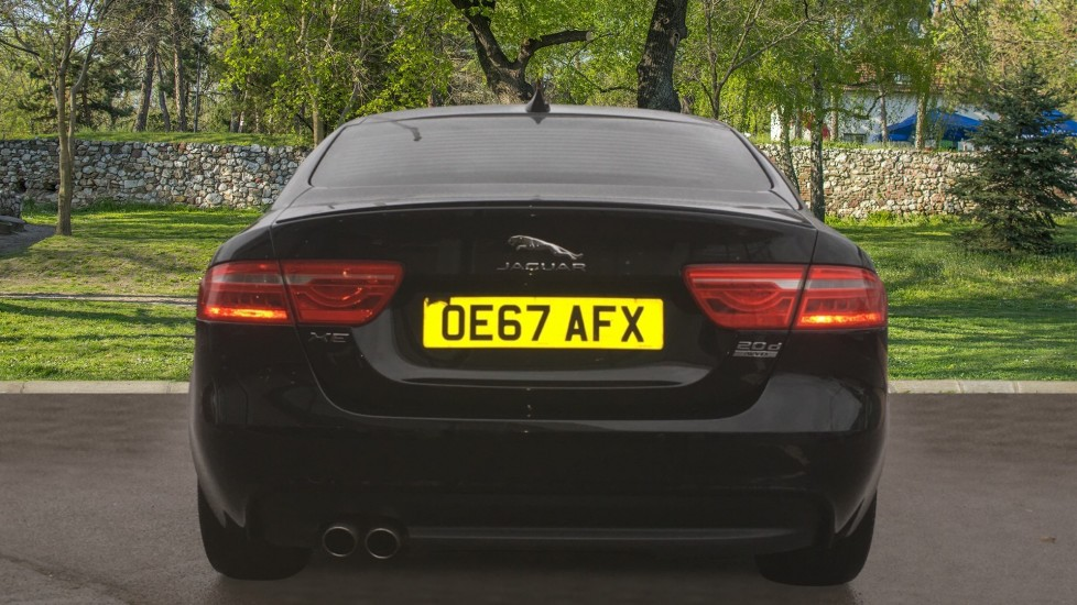 Jaguar XE 2.0d [180] R-Sport AWD Pan Roof and 19 inch Alloys. image 6