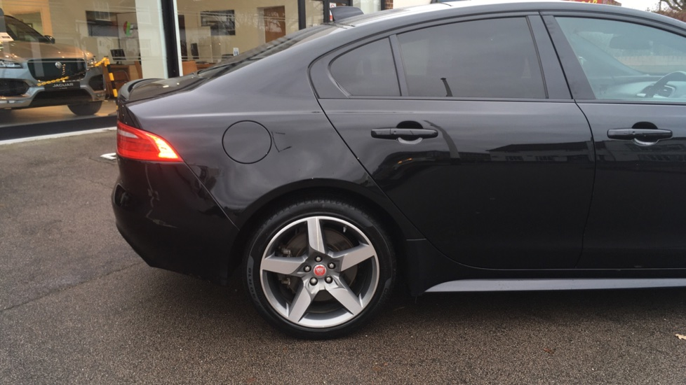 Jaguar XE 2.0d [180] R-Sport AWD Pan Roof and 19 inch Alloys. image 18
