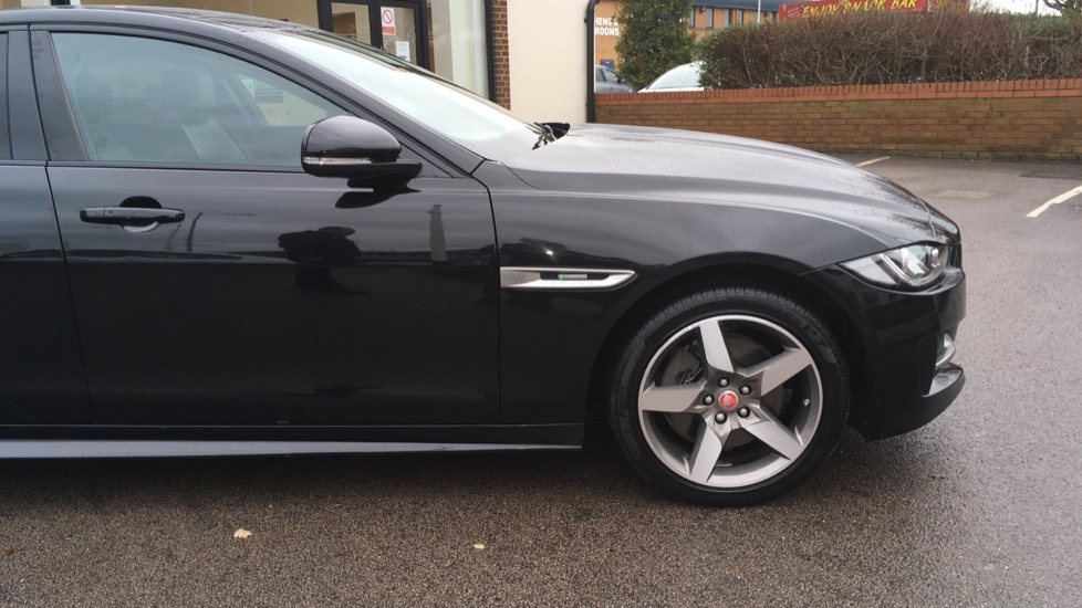 Jaguar XE 2.0d [180] R-Sport AWD Pan Roof and 19 inch Alloys. image 19