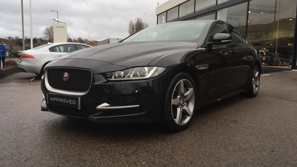 Jaguar XE 2.0d [180] R-Sport AWD Pan Roof and 19 inch Alloys. image 21