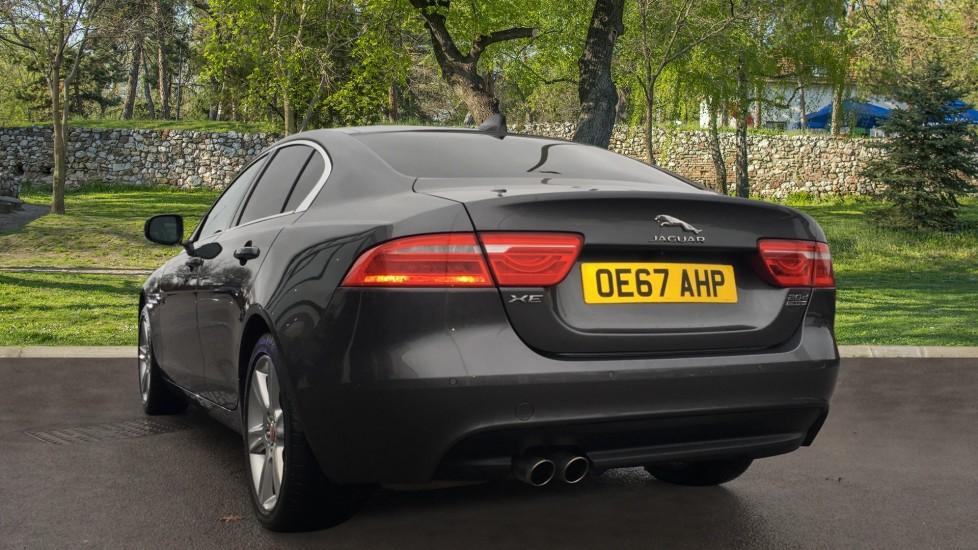 Jaguar XE 2.0d [180] Portfolio AWD Pan Roof image 2