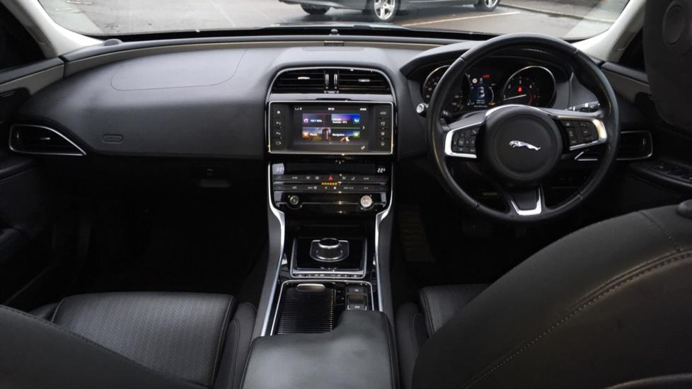 Jaguar XE 2.0d [180] Portfolio AWD Pan Roof image 9