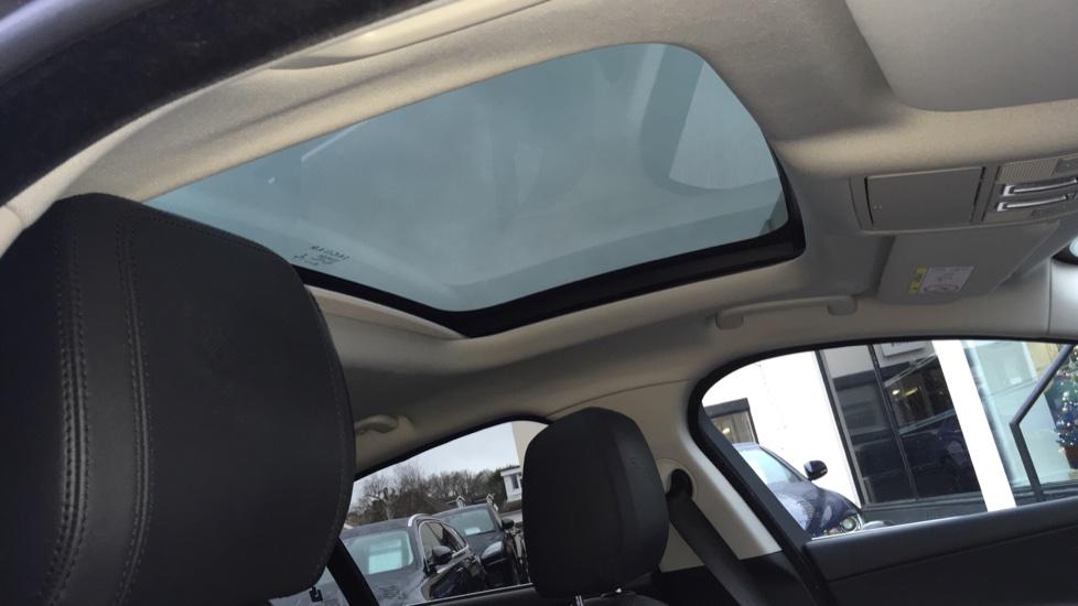 Jaguar XE 2.0d [180] Portfolio AWD Pan Roof image 15