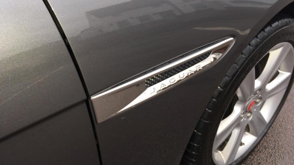 Jaguar XE 2.0d [180] Portfolio AWD Pan Roof image 17