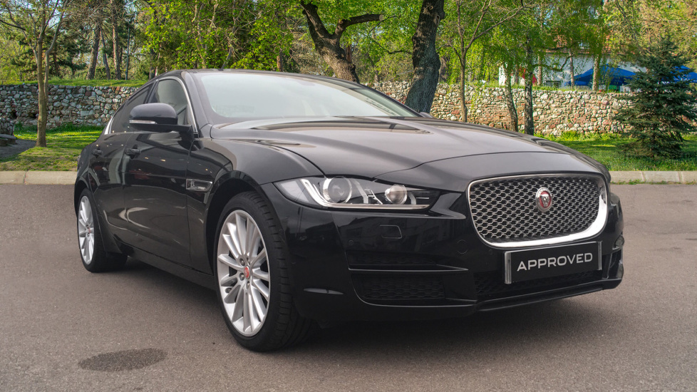 Jaguar XE 2.0d [180] Portfolio AWD + Panoramic Roof + Rear Camera + Low Mileage +  Diesel Automatic 4 door Saloon (2017) image