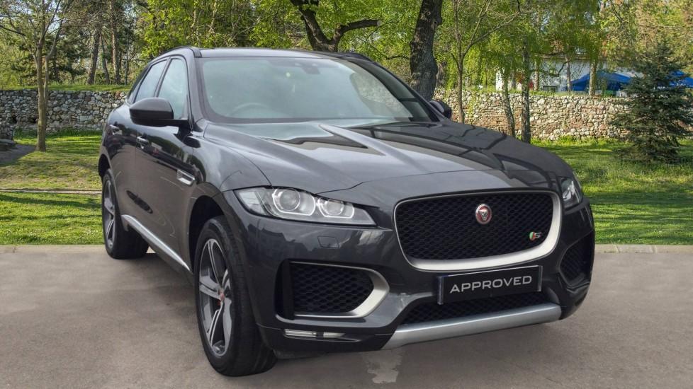 Jaguar F-PACE 3.0d V6 S 5dr AWD- Sliding Panoramic Roof Diesel Automatic Estate