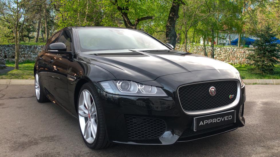 Jaguar XF 3.0d V6 S High Spec with InControl & Pan Roof Diesel Automatic 4 door Saloon (2018)