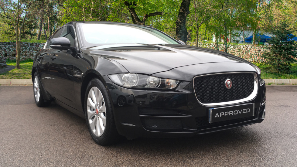 Jaguar XE 2.0d Prestige Pan Roof Diesel Automatic 4 door Saloon (2017) image