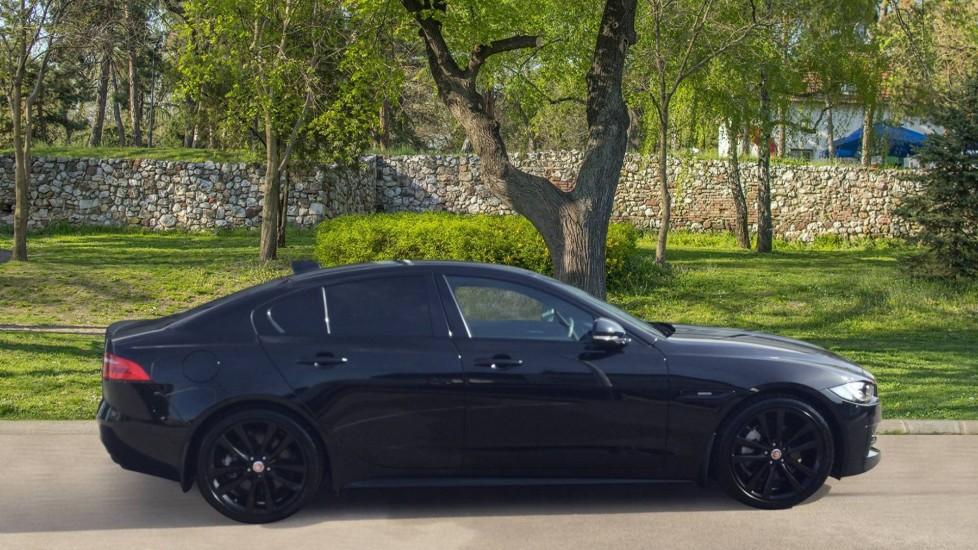 Jaguar XE 2.0 Ingenium R-Sport Low Miles 19 inch Black Alloys image 5