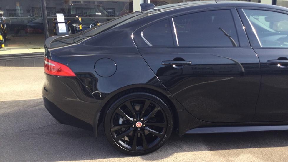 Jaguar XE 2.0 Ingenium R-Sport Low Miles 19 inch Black Alloys image 12