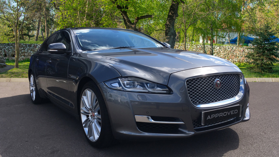 Jaguar XJ 3.0d V6 Premium Luxury Low Miles Diesel Automatic 4 door Saloon (2017) image