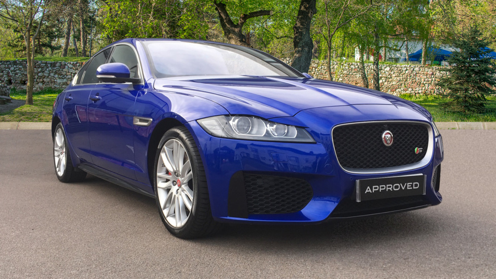 Jaguar XF 3.0 V6 Supercharged S High Spec with Heads Up Display and Panoramic Sunroof Automatic 4 door Saloon (2017)