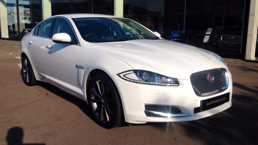 Jaguar XF 2.2d [200] Premium Luxury Diesel Automatic 4 door Saloon (2015) image