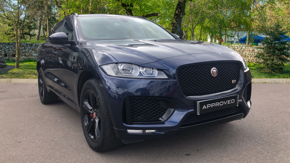 Jaguar F-PACE 3.0d V6 S 5dr AWD High Spec with InControl & Pan Roof Diesel Automatic 4 door Estate (2017) image